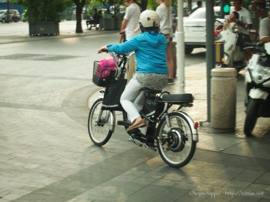 ベトナム, ホーチミン, Vietnam, Ho chi minh, 電動自転車, グエンフエ通り
