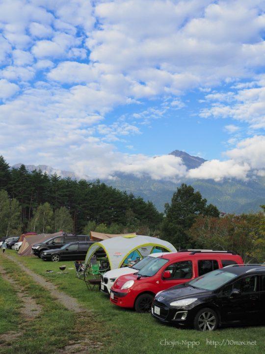 オートキャンプ牧場チロル プジョー308SW ルノー・カングー BMW X1