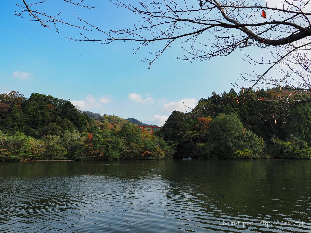 稲ヶ崎キャンプ場, 亀山湖