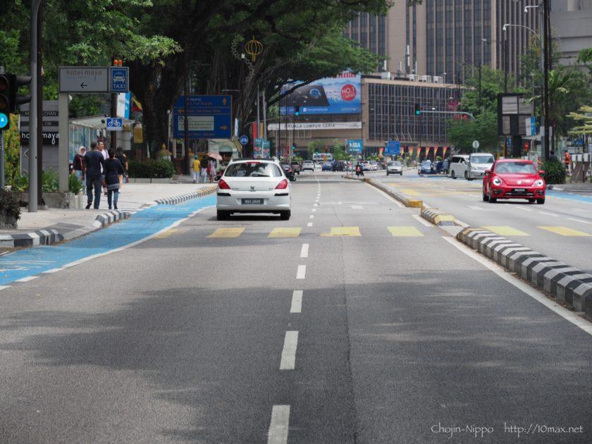 クアラルンプール Jalan Ampan プジョー308