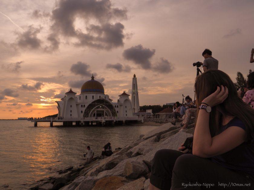マラッカ 水上モスク Masjid Selat Melaka 日没 夕日