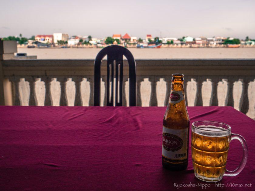 ベトナム ミトー メコン川 サイゴンビア レストラン