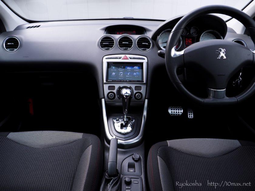 プジョー 308SW インパネ 運転席