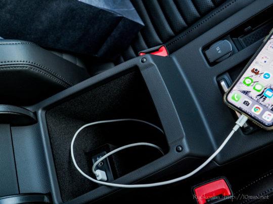 VW フォルクスワーゲン パサートオールトラック PassatAlltrack 内装 インテリア グローブボックス 収納 物入れ ユーティリティ USBポート