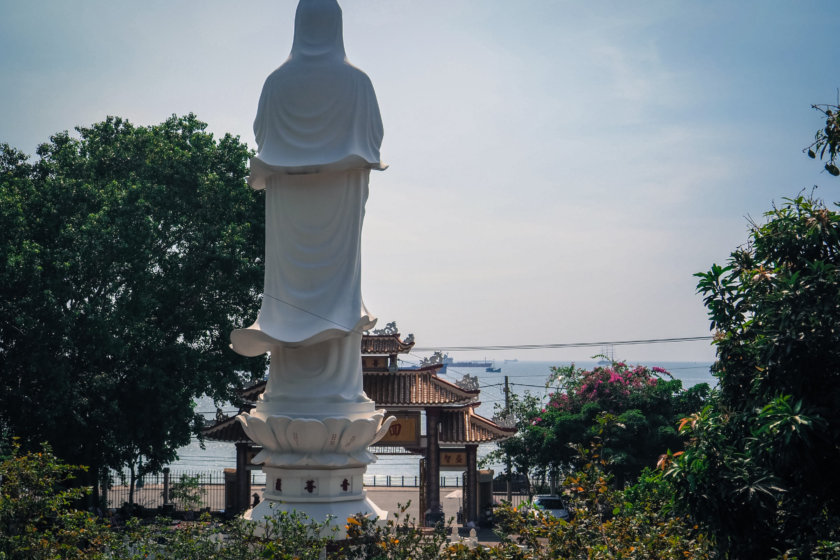 ブンタウ − ホーチミンから一番近いビーチリゾート Part 3/3 仏教寺院とマリア像でローカル風情と展望を楽しむ