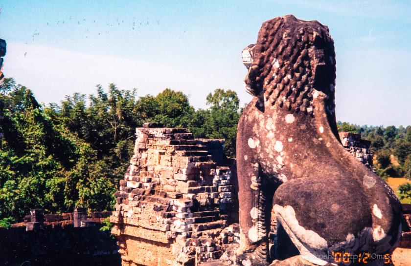 アンコール・ワット 東メボン シンハ像
