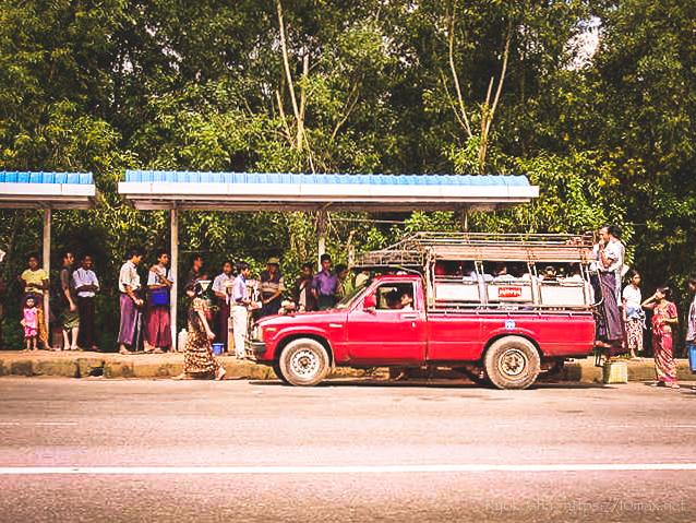 ミャンマー バゴー ピックアップバス