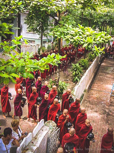 マハーガンダーヨン僧院 マンダレー アマラプラ