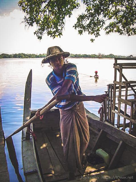 ウー・ベイン橋 マンダレー アマラプラ 木の橋 タウタマン湖 ボート
